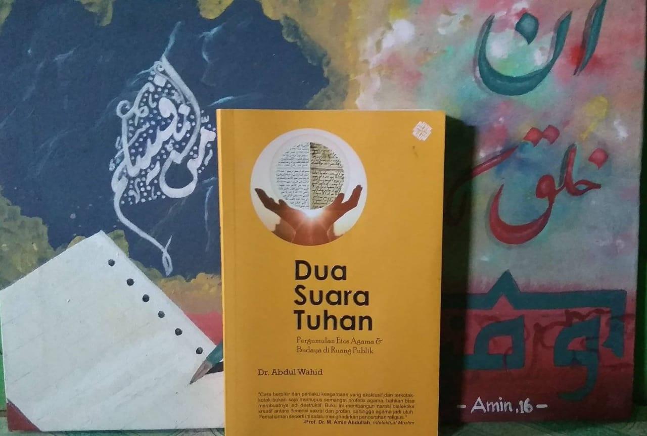 Dua Pendengaran Manusia: Catatan untuk Dua Suara Tuhan