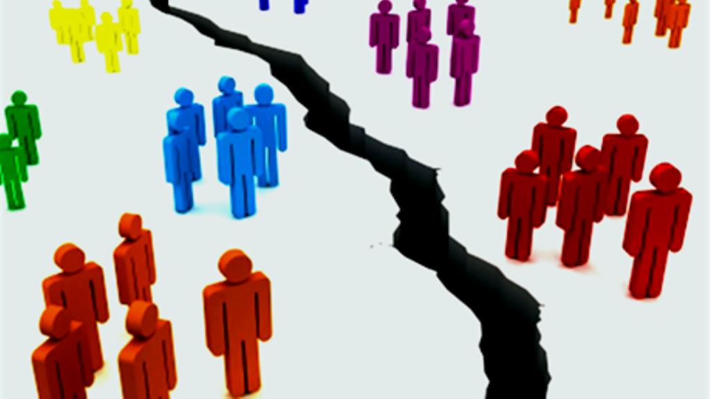 "Cara Sebuah Masyarakat ""Bersahabat"" dengan Konflik"